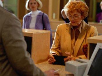 Легкая жизнь с кредитными картами для пенсионеров до 70 лет